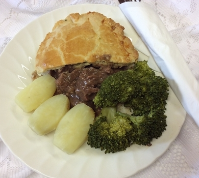 >Steak & Guinness Pie