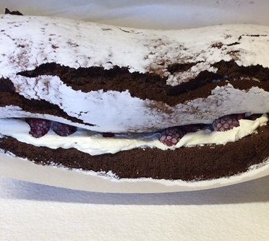 >Chocolate & Raspberry Roulade GF (up to 10 servings)